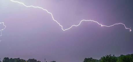 Code geel vanwege kans op onweer in noorden en oosten, lokaal hevige neerslag