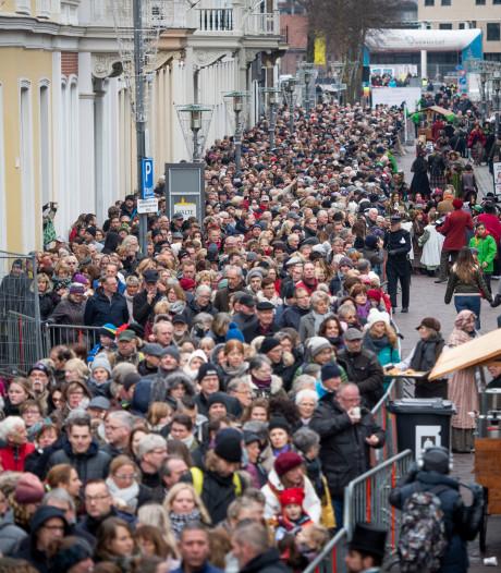 Een uur in de rij voor Dickens: 'Het wachten valt nog niet tegen'