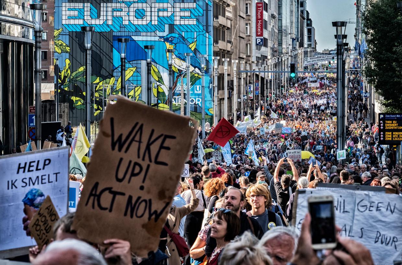 De zoveelste klimaatmars op 20 september 2019 trok veel volk, maar de nieuwe Vlaamse regering zal geen maatregelen doorvoeren om de Europese doelstellingen te halen.  Beeld Tim Dirven