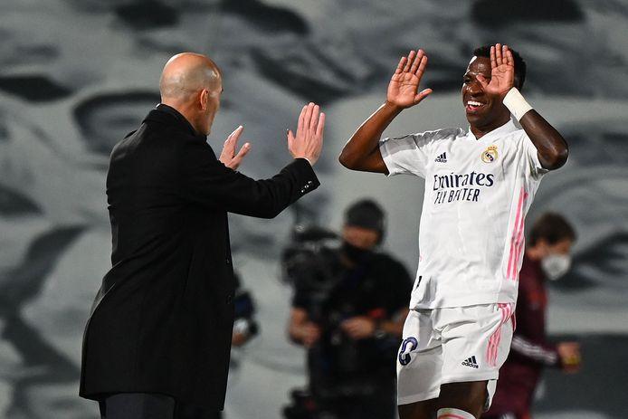 Zinedine Zidane is momenteel erg blij met de prestaties van Vinícius Júnior bij Real Madrid.