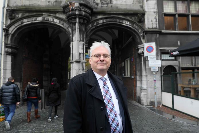 Jan Zoetelief is wethouder in Nijmegen en wil partijvoorzitter 50Plus worden.