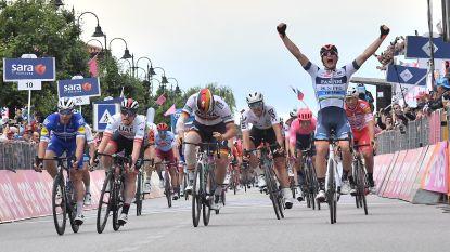 VIDEO. Vluchter Cima stooft sprinters een peer in Giro na bloedstollende finale