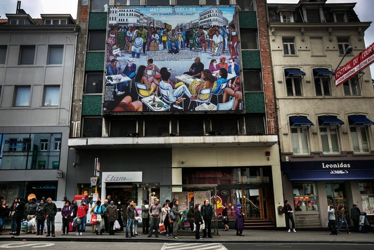 Dit schilderij kondigt het begin van de Matongé-wijk in Brussel aan. Beeld Tim Dirven