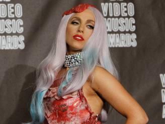 Lady Gaga haalt haar beruchte vleesjurk nog eens uit de kast