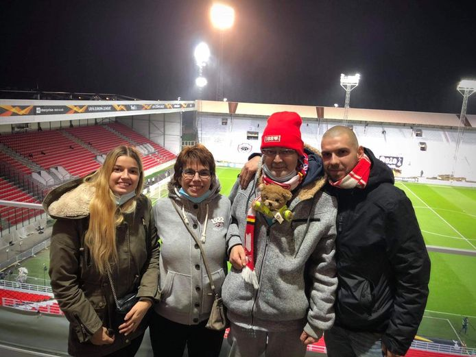 Dochter Tania, echtgenote Diane, Patrick Van Trimpont en zoon Nick op de Bosuil.