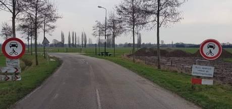 Honderd bekeuringen in twee weken tijd voor negeren wegafsluiting Rhenen