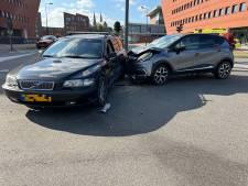 Botsing veroorzaakt grote verkeerschaos rondom Deventer binnenstad