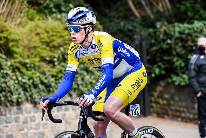 Voor Julian Mertens verloopt de overstap naar de profs moeizaam. Toch liet hij zich in de Brabantse Pijl opmerken in een lange vlucht.