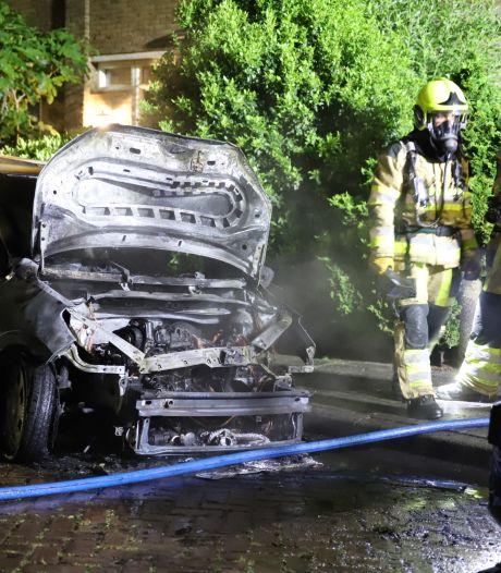 Auto verwoest door brand, eigenaar al voor tweede keer de dupe