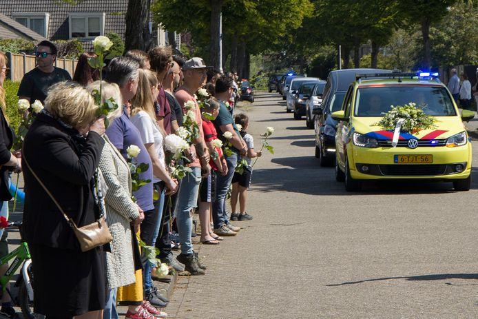 Speciaal afscheid van Bob van den Hoogen in kerkdorp Acht.
