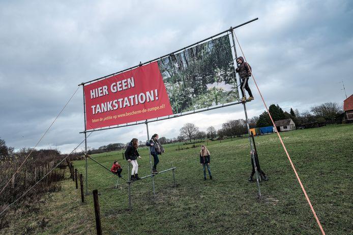 Begin 2020 kwam de buurt in actie tegen de komst van het tankstation naar de Zumpe. Archieffoto: Jan Ruland van den Brink