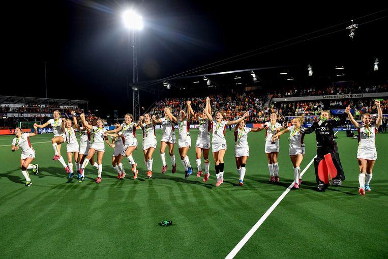 De Red Panthers verloren dan wel de finale tegen Nederland op het EK, na de match brak het feest uit. Beeld BELGA