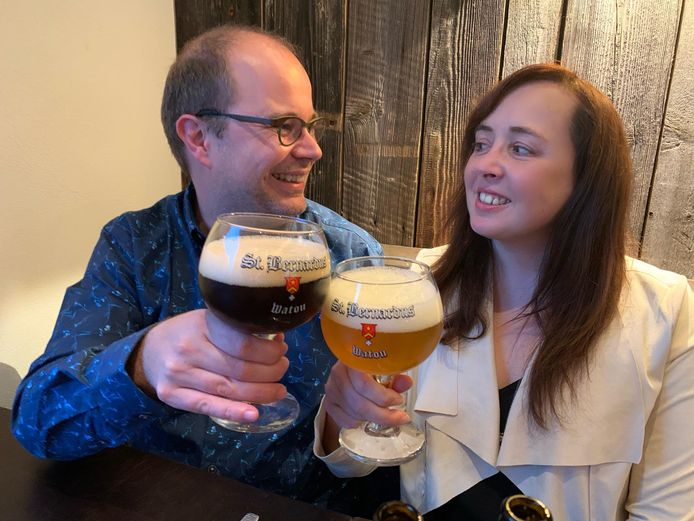 Biersommelier Sofie Vanrafelghem en haar partner David Le Roy zijn beiden fans van St.Bernardusbieren.