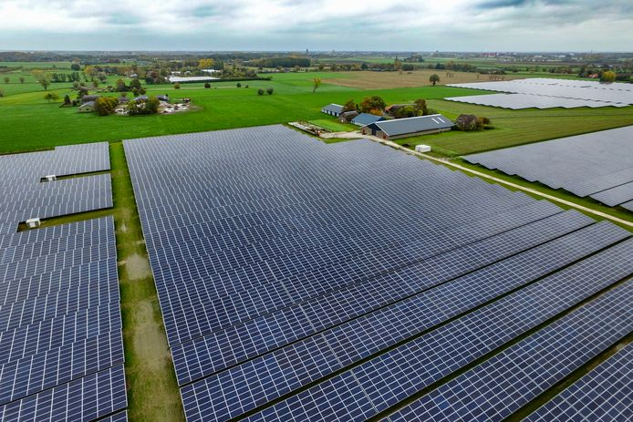 Zonnepanelen op landbouwgrond zijn funest voor de sector, vindt LTO Noord.