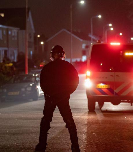 Politie en ME grijpen in na nieuwe onrust op Urk: tien arrestaties