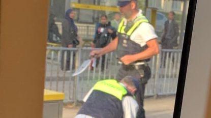 Politie overmeestert bezoeker van Comic Con met 'groot mes' na meldingen van ongeruste tramreizigers