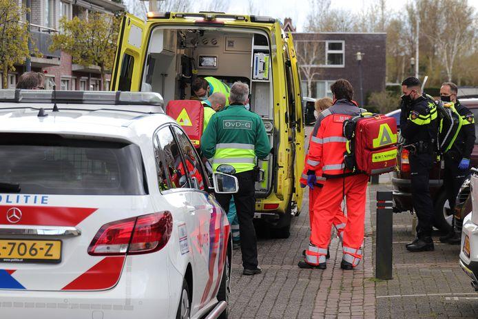 Persoon zwaargewond afgevoerd naar het ziekenhuis na val van trap in Waalwijk.