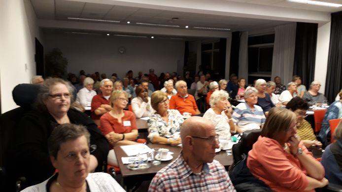 Een bijeenkomst van FNV en KBO in Eindhoven trok eind 2018 veel ouderen en medewerkers uit de thuiszorg die het niet eens waren met het nieuwe beleid van de gemeente.