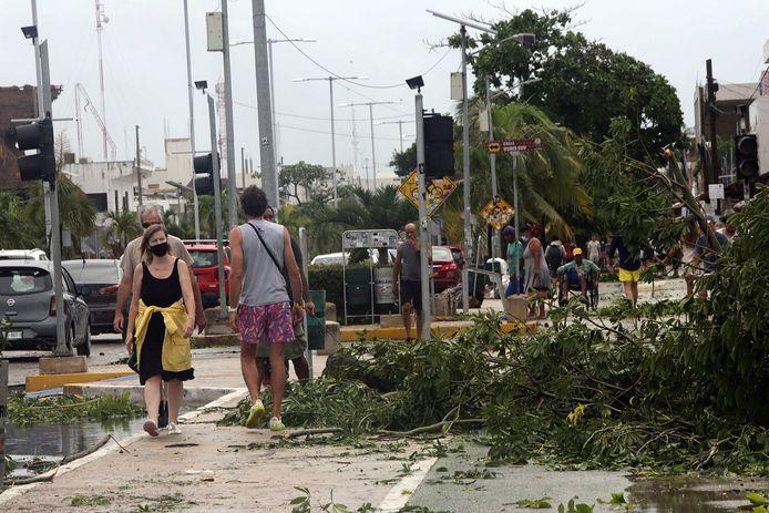 Beeld na de eerste passage van Grace in Tulum, Quintana Roo, Mexico.