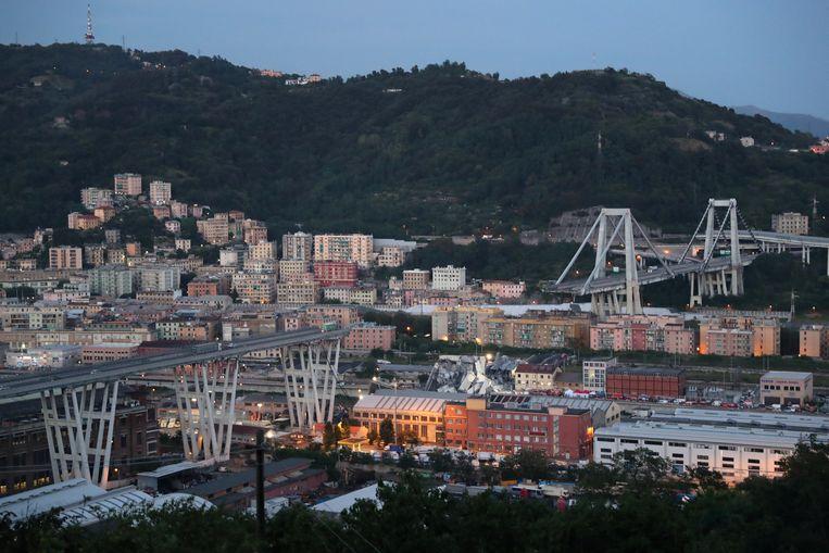 De brug in Genua.  Beeld REUTERS