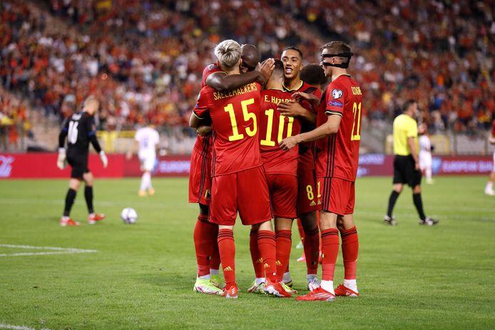 De Rode Duivels vieren de 3-0 van Alexis Saelemaekers.