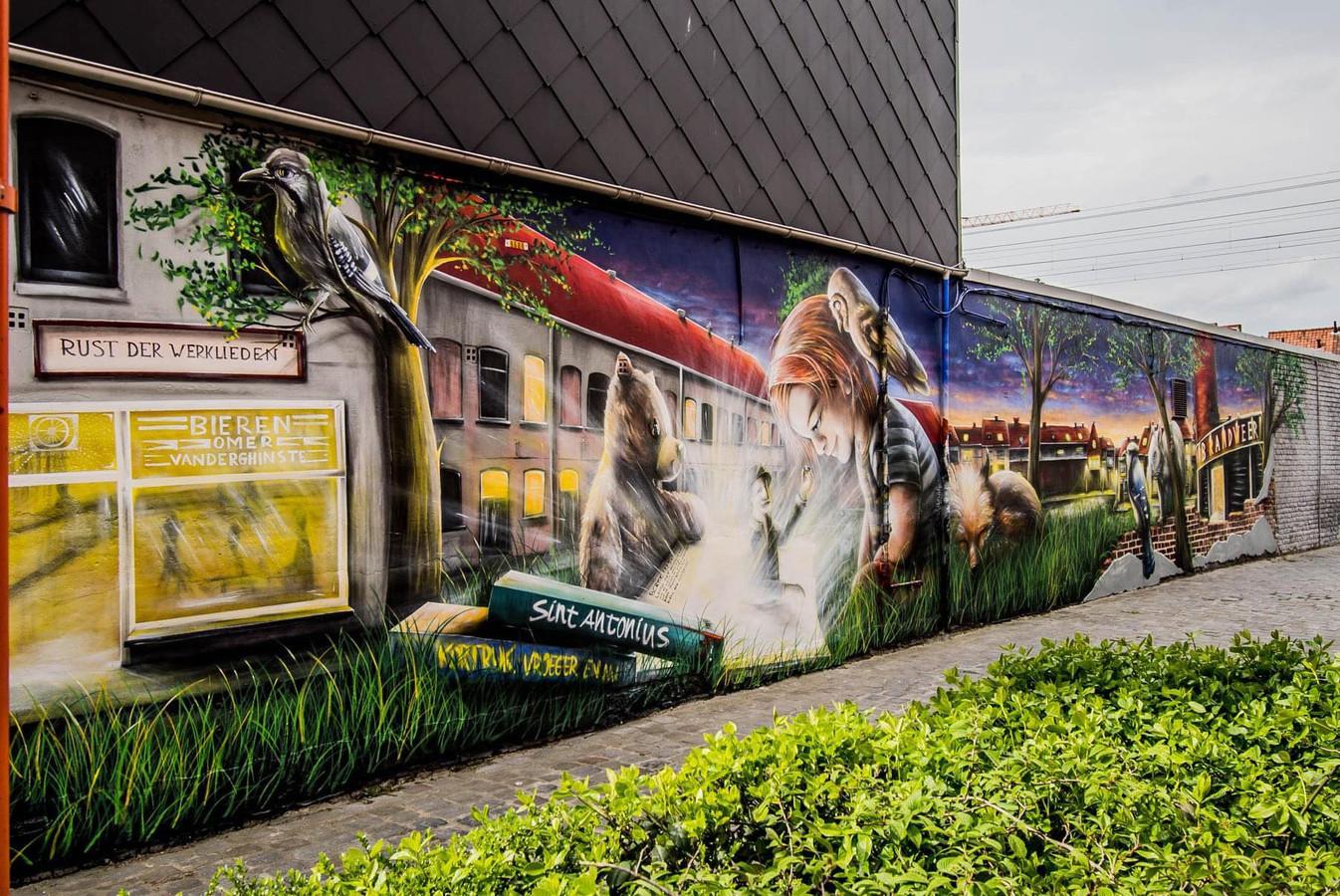 De muurschildering in volle glorie