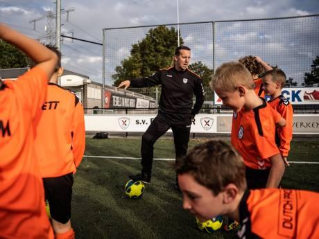 De 'Alex Ferguson' van het amateurvoetbal debuteerde als 16-jarige prof al bij FC Wageningen