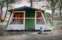 Tent waarin Nicky Verstappen verbleef met op camping