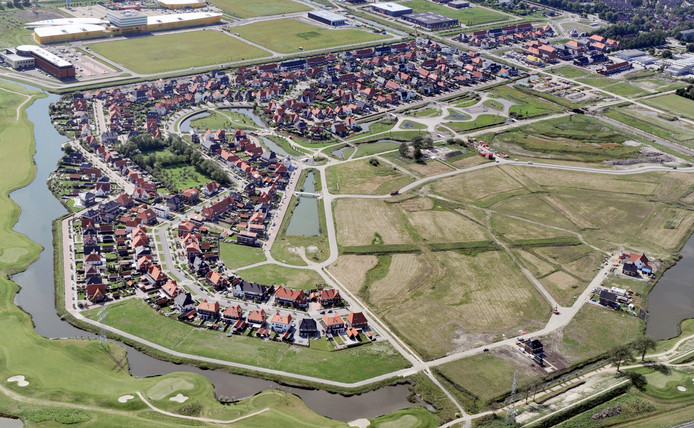De nieuwbouwwijk Mortiere in Middelburg is nog volop in ontwikkeling. De vermenging van bouwverkeer en gewoon verkeer en de kwaliteit van sommige straten ergert bewoners. (Archiefbeeld)