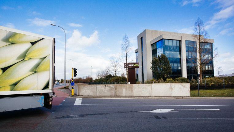 De hoofdzetel van Univeg in Sint-Katelijne-Waver bij Mechelen. Univeg is nu al Europees marktleider in het verdelen van verse groenten en fruit aan warenhuizen. Beeld Wouter Van Vooren