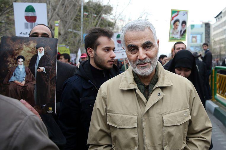 Februari 2016, Qassem Soleimani woont een demonstratie bij ter herdenking van de Islamitische Revolutie in Bagdad. Beeld AP
