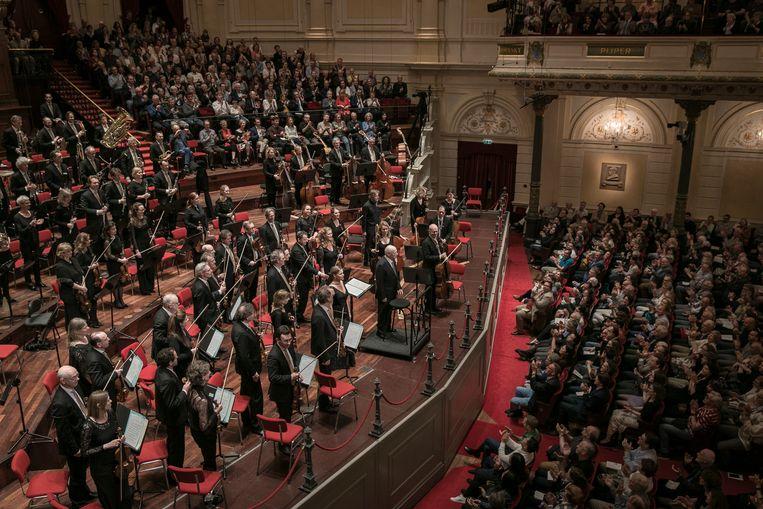 Bernard Haitink (M) op 15 juni 2019, in het Concertgebouw waar hij Bruckners Zevende symfonie dirigeerde en orkestliederen van Richard Strauss. Het was zijn laatste concert in Nederland. Beeld Hollandse Hoogte /  ANP