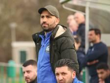 Coach Engin Dag en derdeklasser SV Waalstad gaan samen verder