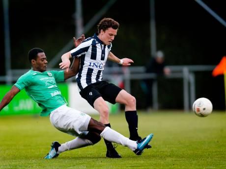 Derde divisies in amateurvoetbal krimpen in naar zeventien clubs