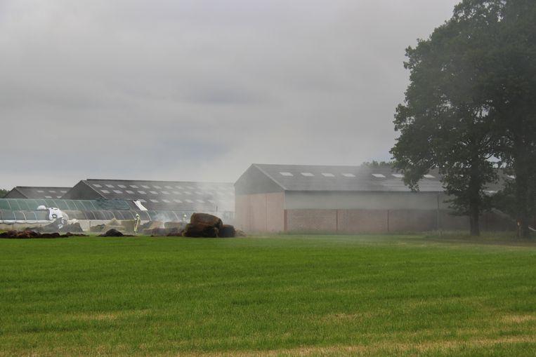 De balen hooi waren vermoedelijk door zelfontbranding beginnen branden.