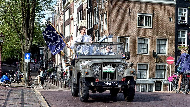 Ontgroening 2017 bij Atomos. Met jeep, maar toen minder reden tot klachten uit de buurt Beeld Daniël Rommens/Folia