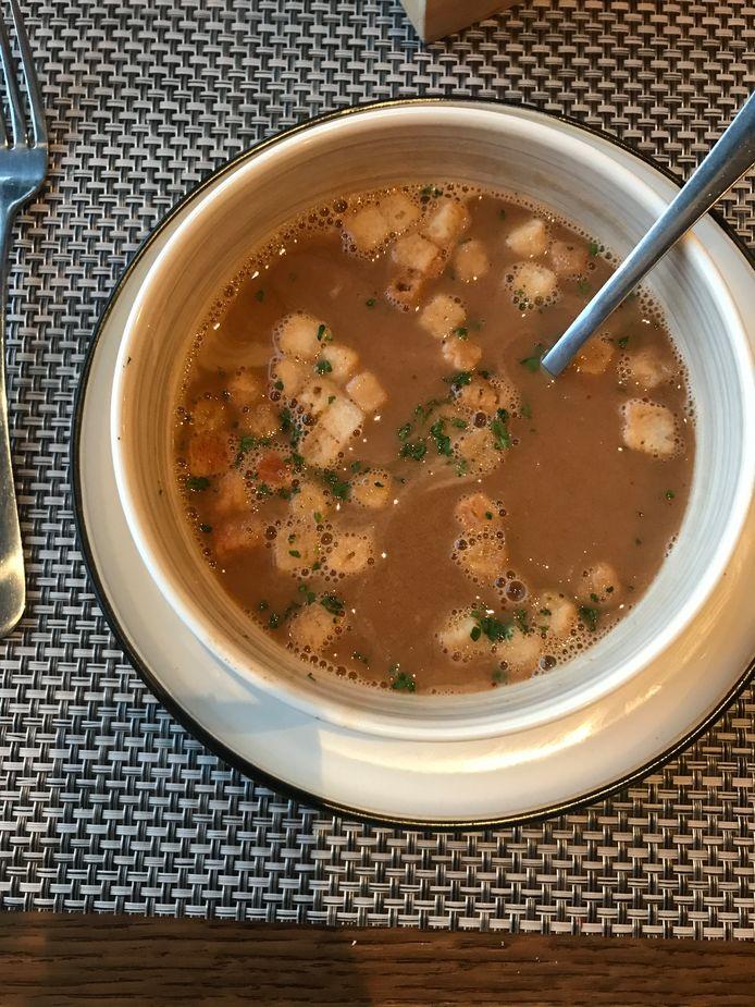 Brasserie Le Vieux Port: de bisque was behoorlijk pikant. De croutons werden beter apart geserveerd in plaats van al in het bord.