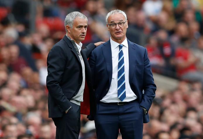 Manchester United-trainer José Mourinho en Claudio Ranieri in september van vorig jaar.