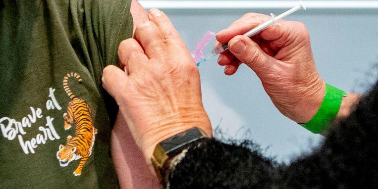 tweede-prik-coronavaccin.jpg