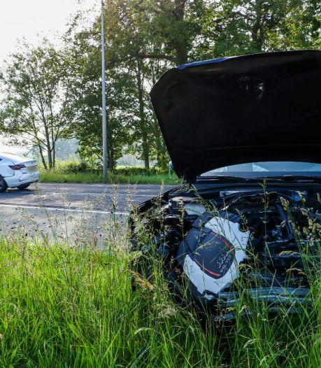 Twee auto's zwaar beschadigd na ongeluk in Usselo
