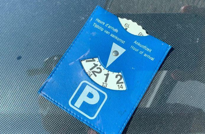 In het centrum van Zaltbommel komt een blauwe zone. Met gebruik van een parkeerschijf mogen bezoekers op een paar plaatsen een uur gratis parkeren.
