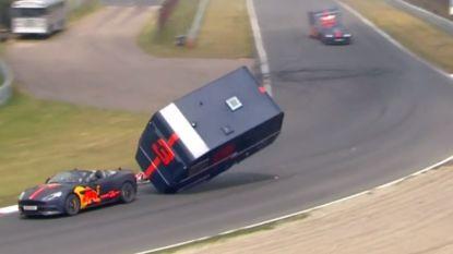 """Verstappen en Ricciardo maken brokken, al is het dit keer niet in een F1-bolide: """"Mijn toilet is gaan vliegen"""""""