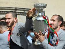 Zelfs na het EK zijn Chiellini en Bonucci onafscheidelijk: samen op vakantie op Sardinië