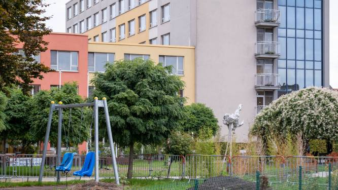Elf besmettingen in woonzorgcentrum Hof van Egmont: centra voor dagverzorging gesloten