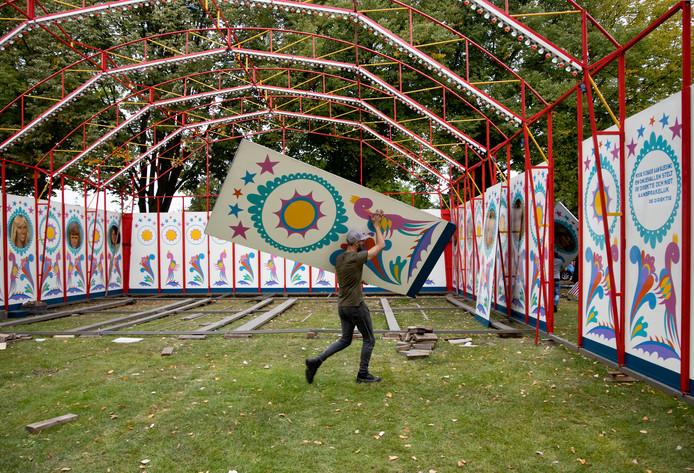 *Lunapark* van de *firma Hoefnagels*, wordt afgebroken nog voordat de kermis van Aarle Rixtel is afgelopen ivm 'schermutselingen'.