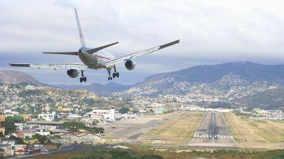 Deze luchthaven is een van de gevaarlijkste ter wereld. Gisteren nog brak er een privéjet in drie stukken bij de landing