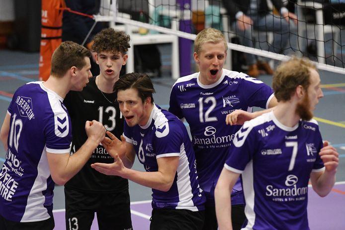 Daan Haanappel (midden, nr.6) komt over van VoCaSa naar Dynamo.
