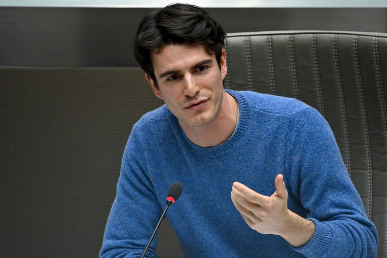 Verschillende lokale partijen zijn boos dat sp.a-voorzitter Conner Rousseau overleg beloofde, zonder vervolg. Beeld BELGA