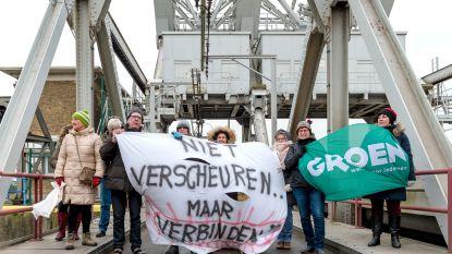 """Actiegroep misnoegd over tv-interview minister Weyts over nieuwe zeesluis: """"Zijn verhaal zit vol leugens"""""""