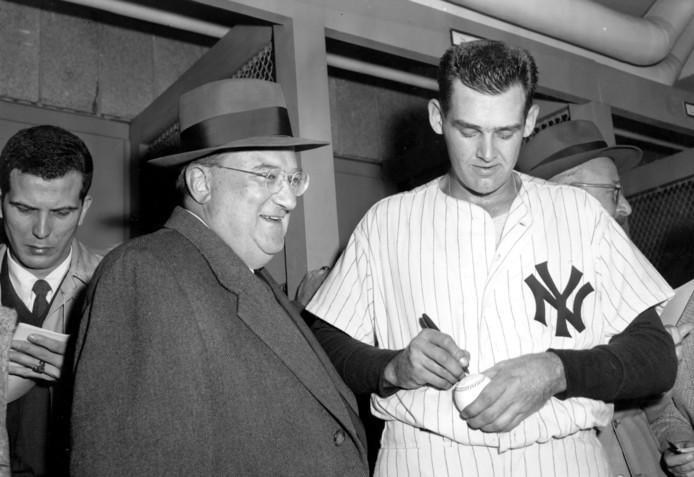 Don Larsen na zijn perfecte wedstrijd op 8 oktober 1956.